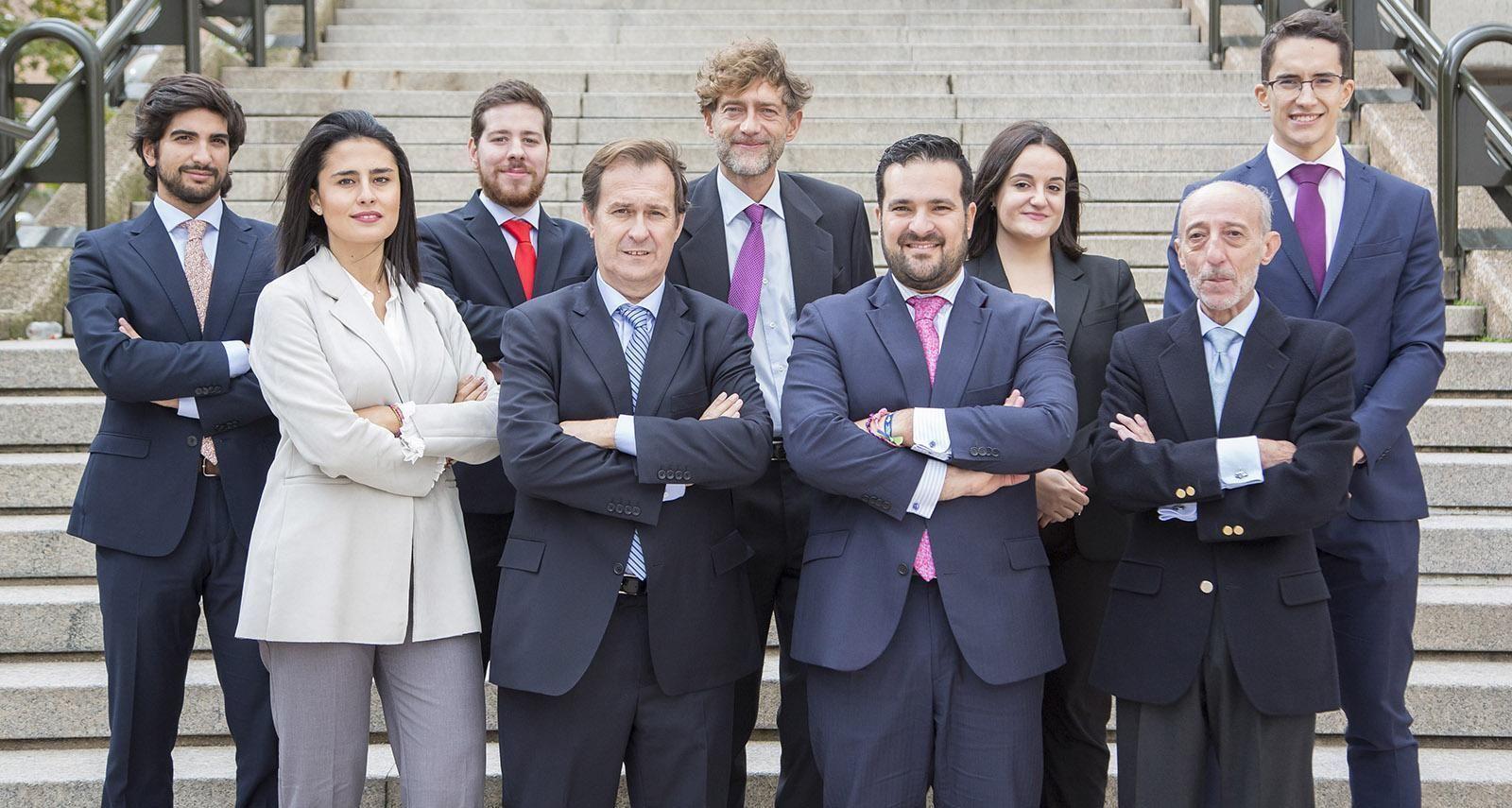 Nuestros Abogados Y Profesionales Para Tus Dudas Legales